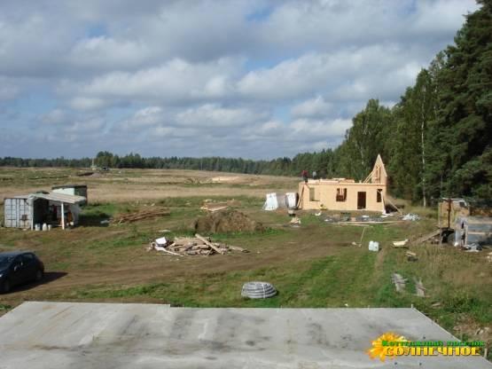 Строительство на участках продолжается
